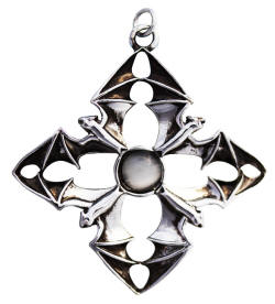 Arcanus for gaining your Most Desired by Anne Stokes  Anne Stokes Carpe Noctum Pendant  Product Code: CA05