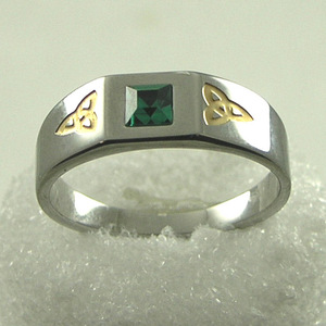 Double Triquetra Ring with Crystal