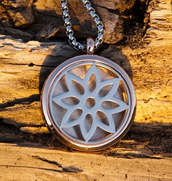 Synergy Flower Essential Oil Necklace Diffuser Aromatherapy Pendant