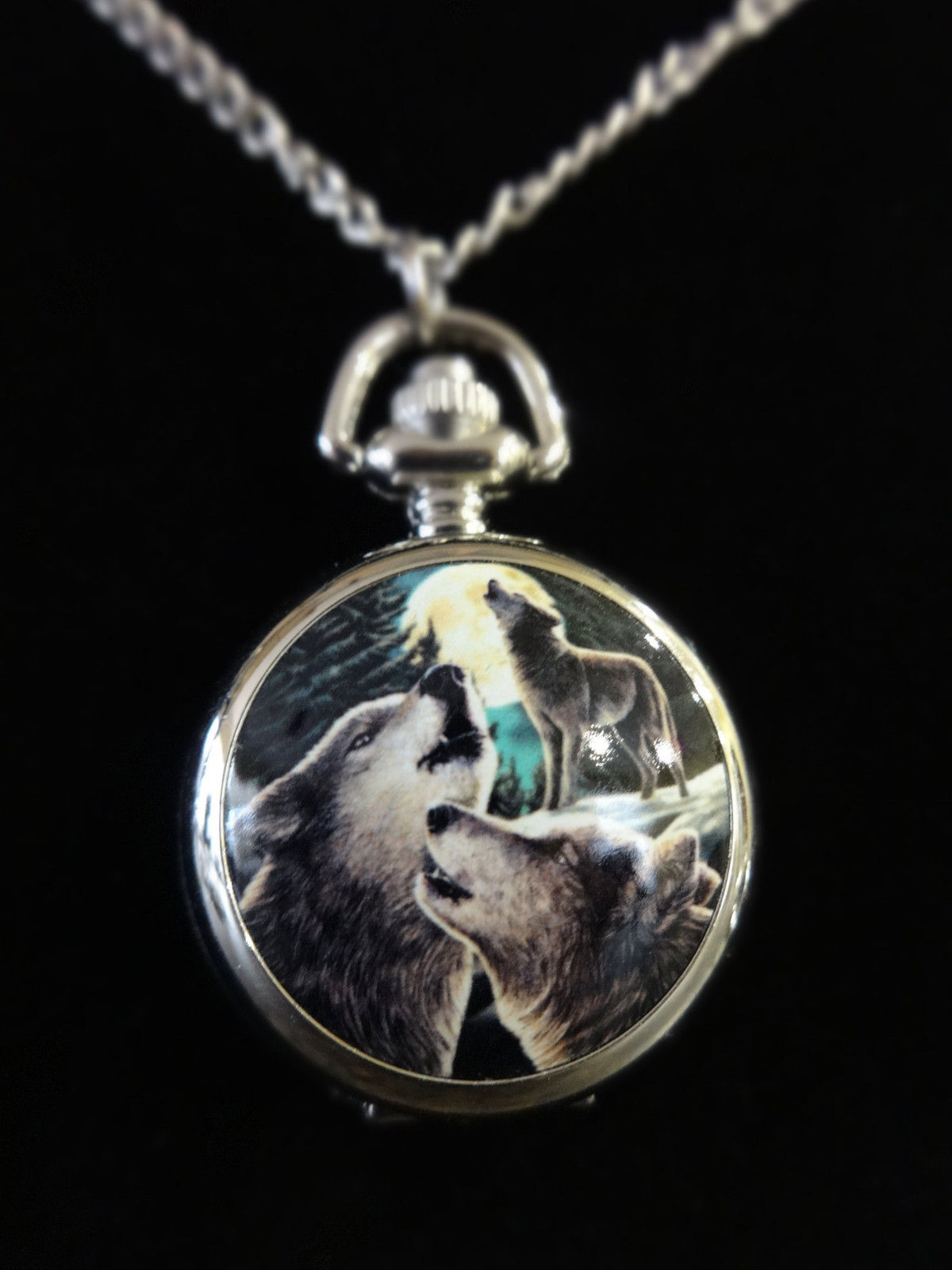 """Wolf Song"" Three Howling Wolves Pocket Watch"